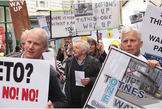 Jonathan Dimbleby leads protest march